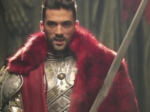La légende du roi Arthur / Auprés d'un autre (2015)