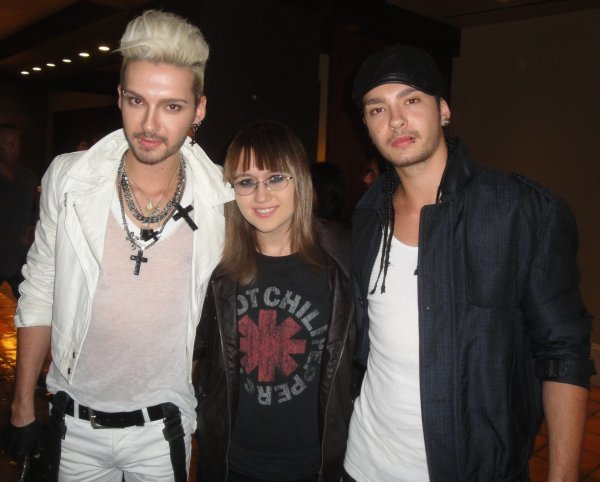 Bill et Tom avec une fan à Los Angeles  (13.10.11)