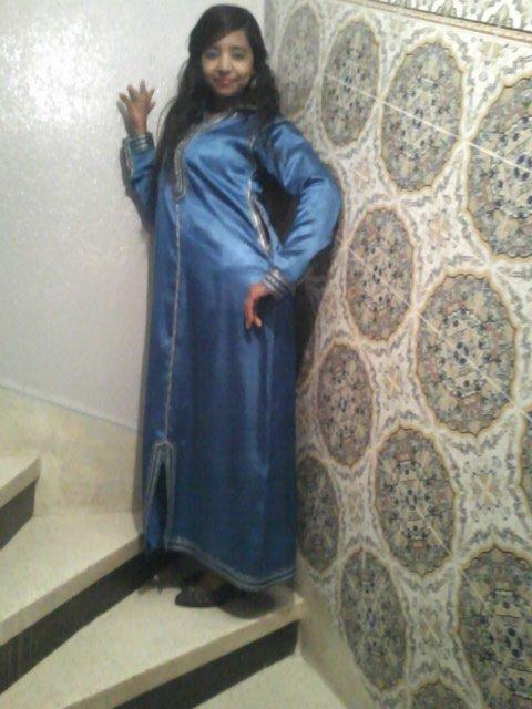 si7rou almara al3arabiya fi jilbabiha almagrybi