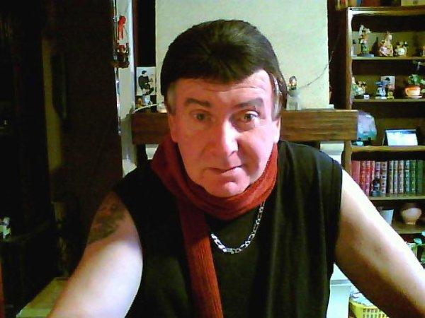 ON PEUX REVER PUISQUE JE NE PUIS PLUS FAIRE DE GALAS AVEC MES MAUDITES SEQUELLES AVP 30/03/92                      LOICK DUVALL RECHERCHE UNE PARTENAIRE POUR UNE VIDEO VIA LA TELEVISION  POUR ETRE SUR SCENE JEUNE FEMME TRES MIGNONNE BLONDE AUX YEUX BLEUX ENTRE 20 ET 35ANS SVP ENVOYER VOS COORDONNEES PAR IMAIL A loickduval@hotmail.fr reponse assuree PRESTATION REMUNEREE ************  MON NUMERO SANS DANGER LA FEMME COUPEE EN TROIS **LA TETE D UN COTE /****** LE CORPS AU MILIEU DE LA SCENE *****LES PIEDS A GAUCHE **************** ET LE MENAGE EFFECTUE  PAR MAMYPAULE69   UNE GRAND MERE DE 87ANS MAIS QUI TIENT LA CHOPINE    UN RDV A NE PAS MANQUER DU JAMAIS VU A LA TV *************LOICK  DUVALL *************************************************************************************************************************************************************
