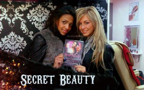 ‹ Stéphanie chez Secret Beauty dans le Salon d'esthétique d'Emilie.