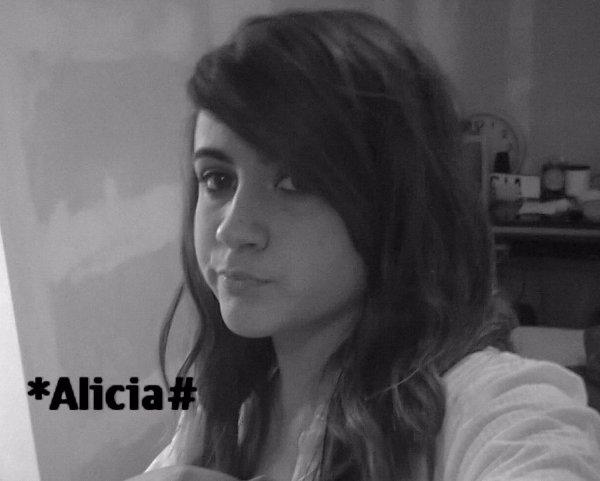 Aliiciia .... x3