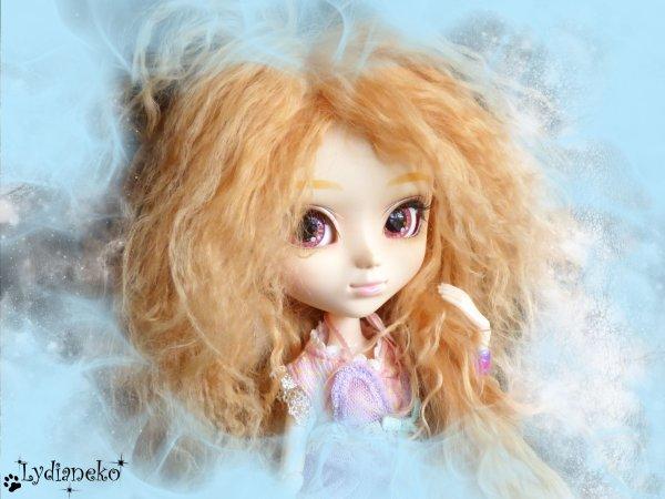 Des cheveux dans le vent et l'odeur des jacinthes de noël