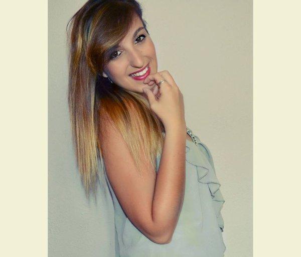 Mon sourire est aussi faux que tes paroles connard.