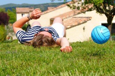 L'ennui en ce monde, c'est que les imbéciles sont sûrs d'eux et les gens sensés pleins de doutes.   » Bertrand Russel     *