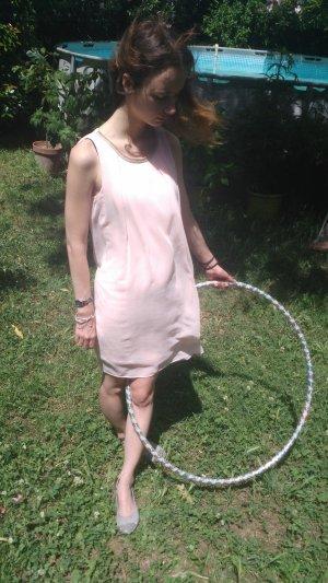 Et quand à mon tour j'ai senti la tiédeur à travers mes vêtements, j'ai compris qu'on pouvait adorer le soleil.