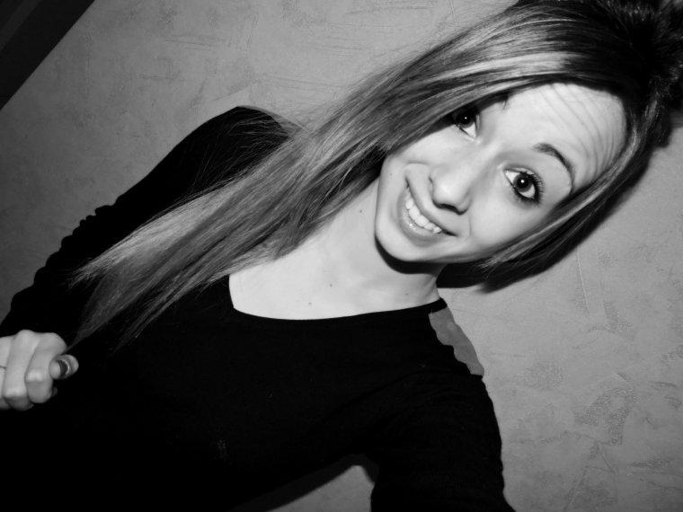« Reste fière et sourit car la vie n'est pas fini. »