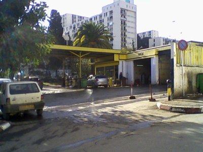 Les pompes à essence de Bir Mourad Rais..!