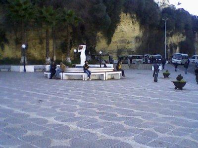 La Statue De La Porteuse D Eau De Bir Mourad Rais Blog De