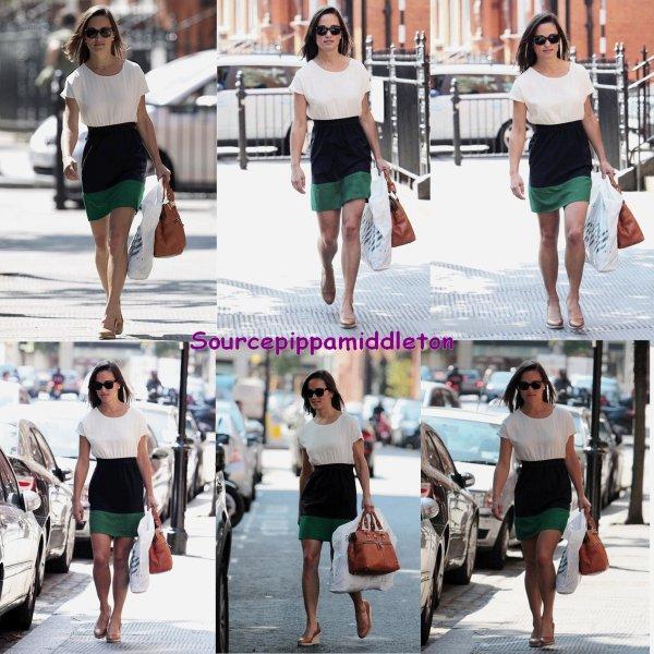 15/07/2011 Pippa dans Londres