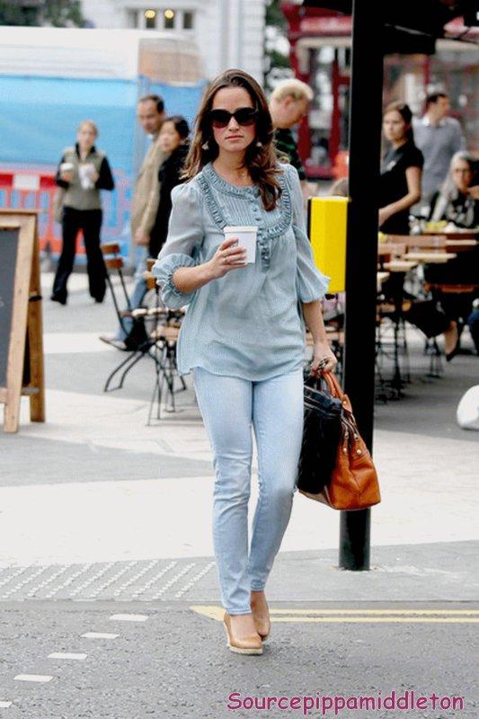 02/09/2011 Pippa dans Londres