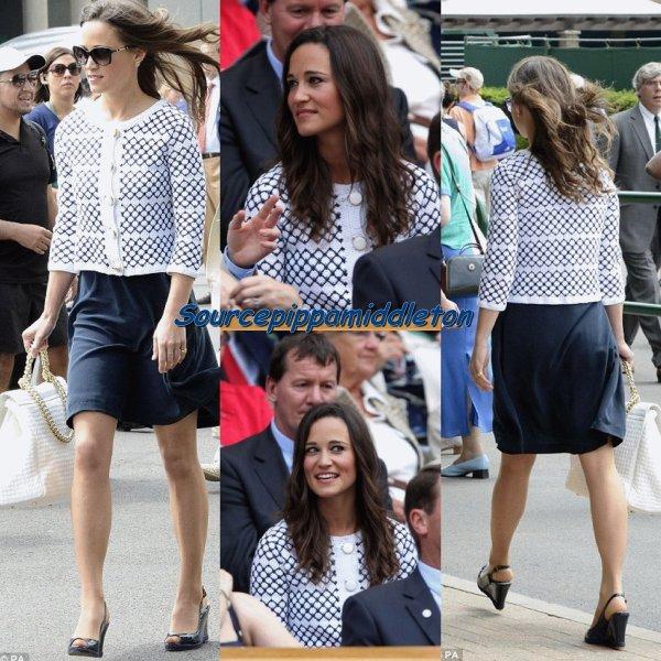 Populaire Robe bleu marine et veste noire – Robes de mode site photo blog LD73