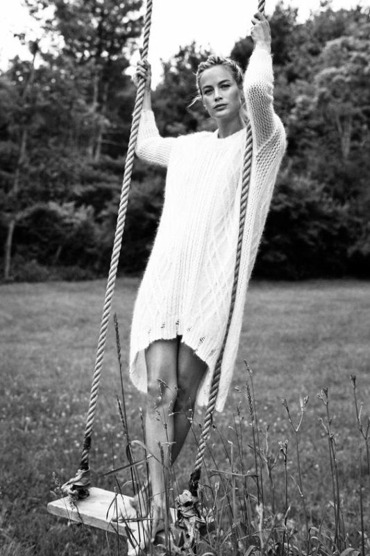 """""""Mon passe-temps favori, c'est laisser passer le temps, avoir du temps, prendre son temps, perdre son temps, vivre à contretemps."""" ― Françoise Sagan"""