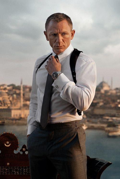 Tous les blancs ont une montre, mais ils n' ont jamais le temps. _ Proverbe Africain