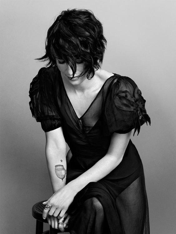 """""""Les seuls tatouages réellement indélébiles sont ceux que l'amour grave dans nos coeurs."""" -Romain Guilleaumes"""