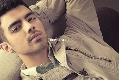 Photoshoot de Joe pour le magasine Glamour