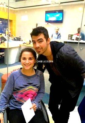 Le 07/12/11, Joe est allé rendre visite à des enfants malade en Philadelphie. Il leur à offert 15 000 $