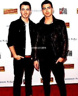 Le 08/02, Joe & Kevin ont participé au lancement de la campagne de « Rock The Vote », à Los Angeles
