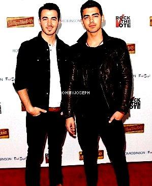 Le 08/02, Joe & Kevin ont participé au lancement de la campagne de « Rock The Vote », à Los Angeles