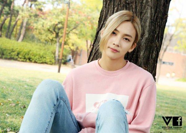 BOYSBE Photos Facebook Junghan