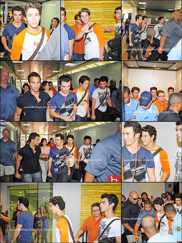 . 14/10/10 soir : La tournée peut recommencer ! Les garçons sont arrivés à l'aéroport de Puerto Rico. .