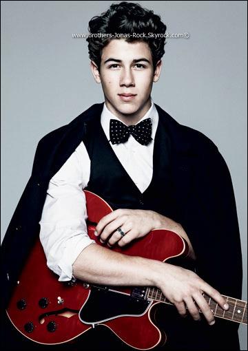 . Photo issue du shoot de Nick réalisé par « Vanity Fair » , en 2010.  .