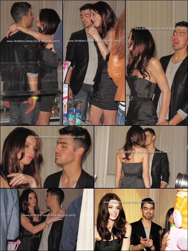 . 19/02/11 : Joe et Ashley  se sont envolés pour Vegas où ils ont fêté le B-Day d'Ash' au Pure night club !    .