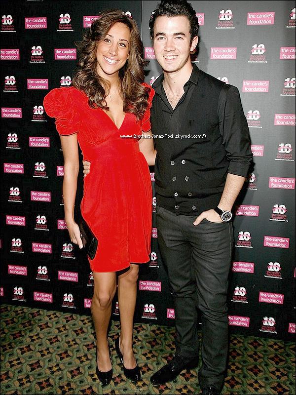. 03/05/11 : il etait tant qu'ils sortent ! Kevin & Danielle etaient présent au gaa Candie's à New York.  .