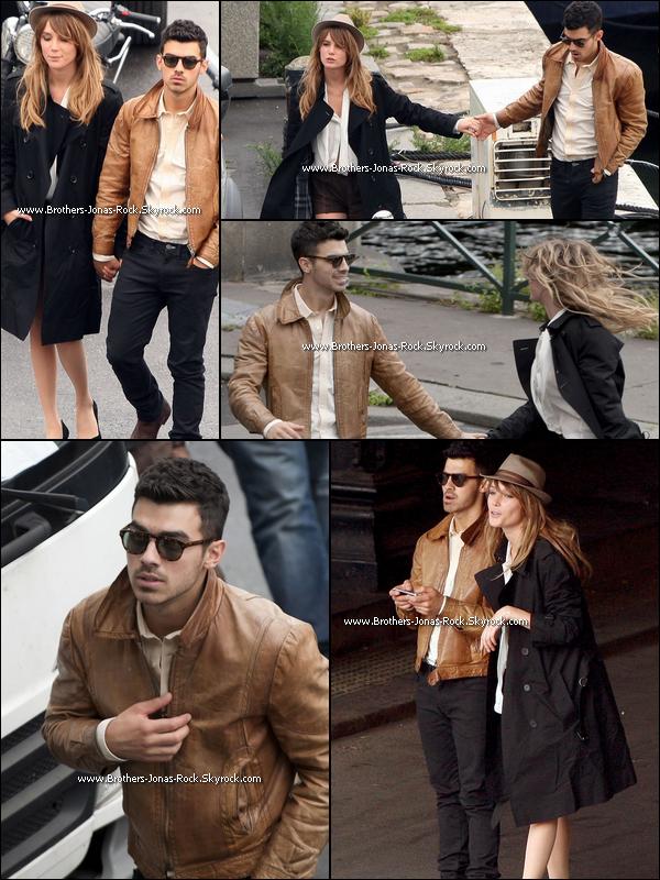 """. 27/07/11 : Joe toujours à Paris sur le tournage de """"In Love With You"""" en compagnie de sa belle blonde.   ."""