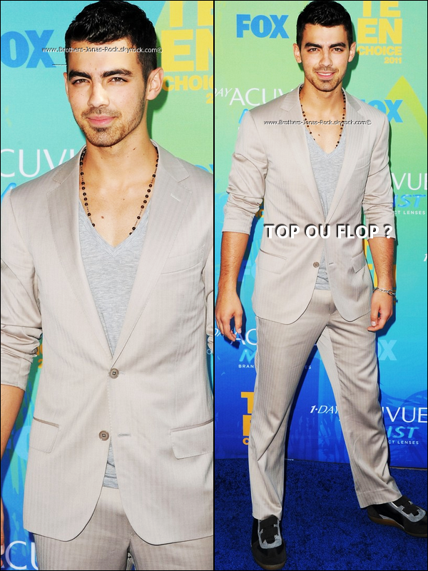 .    07/08/11 : Joe sur le tapis bleu des Teen Choice Awards 2011 qui ont lieu maintenant à Universal City.  .