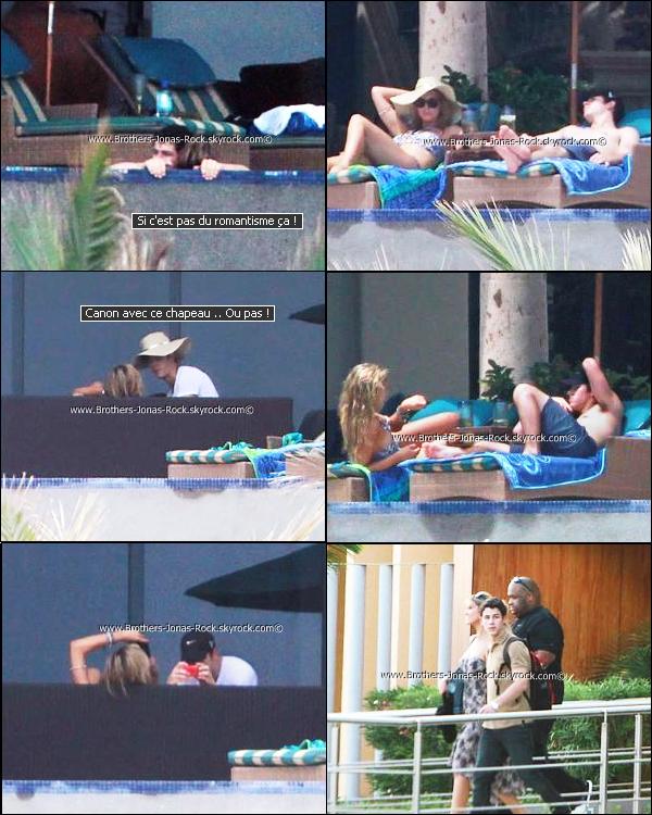 .  04/09/11 : Pour Nick & Delta c'est encore les vacances. C'est séjour entre amoureux à Los Cabos, au Mexique.  .