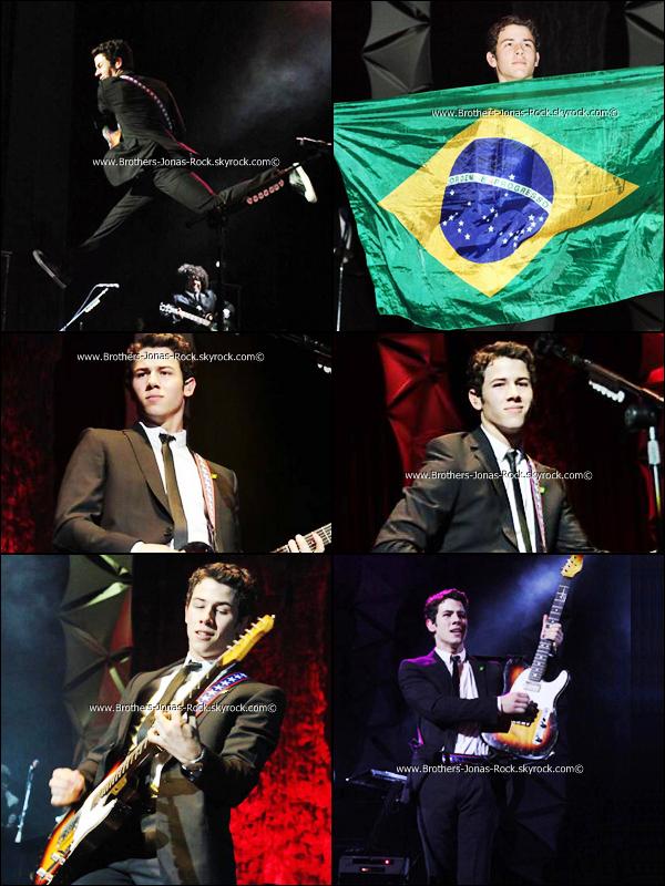.  21/09/11 : Premier concert de la tournée Sud-Americaine de NJ&TAui a eu lieu à São Paulo, Bresil.         .