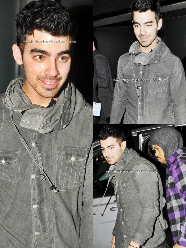 """. 26/10/11 : Joe a été vu sortant de la boite de nuit """"Eclipse"""" à Knightsbridge, à Londres.   ."""