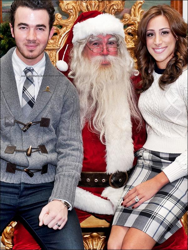 . 14/12/11 : K2 & Danielle ont participé au  Brooks Brothers Holiday Celebration qui a eu lieu à New York. .
