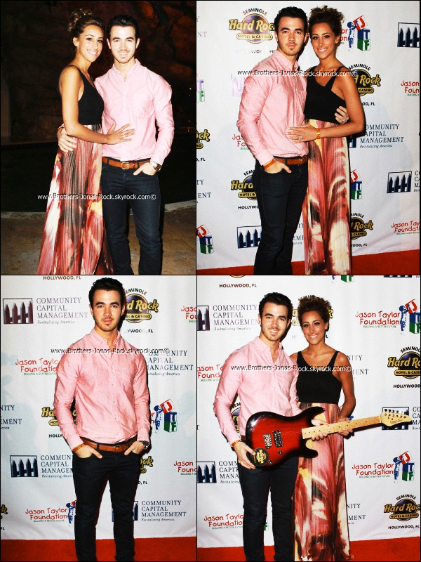 . 26/02/12 : Kevin & Danielle étaient à la soirée d'ouverture du Gala de Golf de Jason Taylor. .