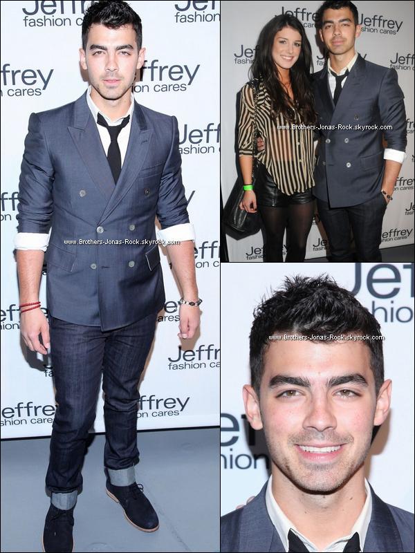 . 26/03/12 : Joe pose au côtés de Sheane Grimes à la soirée Jeffrey Fashion Cares. Top ou flop pour notre Joseph?  .