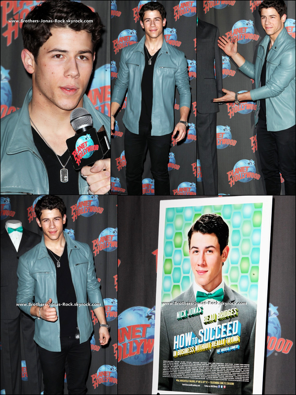 .. 09/04/12 : Nick & ses co-stars dans How To Succeed à un scéance de dédicasse à Planet Hollywood, New York.   ..
