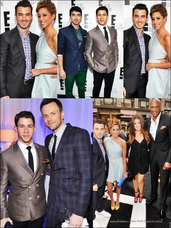 . 30/04/12 : Les Jonas & les Delease au complet étaient au E! Upfronts au Gotham Hall, à New York.  .