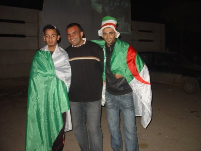 1.2.3 vive l'algerié vive les algeriens