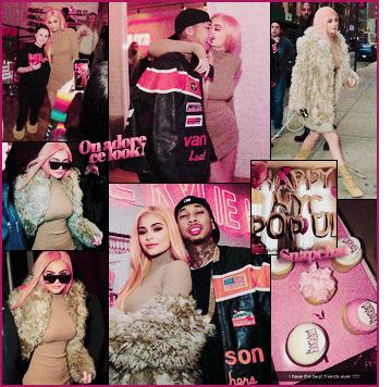 .13/02/2017 : Kylie J. a été vue à l'ouverture sa boutique éphémère dans la ville de New-York Kylie provoque l'hystérie dans la grosse pomme! La belle vêtue d'une robe moulante a été vue arrivant à sa nouvelle boutique. Top ou flop? .