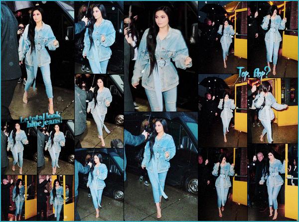 .12/02/2017 : Kylie s'est rendue dans un nouveau pop-up organisé dans le quartier de Manhattan Kyl' ne cesse de régaler ses fans et a ouvert un nouveau pop-up dans la ville de New-York. + Plus tard dans la soirée Kylie et Tyga sont allés dîner au restaurant en amoureux. Kylie a opté une tenue 100% jeans et c'est top! J'aime beaucoup. Que pensez-vous de cette tenue? .