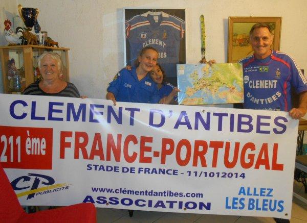 """... 211éme pour ce France - PORTUGAL  ( pour moi .. ) ..... 786éme pour les BLEUS  ... et 72éme sur :: 76 au Stade de France !! en ce samedi 11 octobre ou nous serons :: 101 supporters , tous adhérents de """" Clément d'Antibes Association '' hélas sans nos amies LUCIE  et JULIE   (( on vous embrasse trés fort .. )) ..DEPART  ce vendredi 10 octobre (((( mon pére aurait eu 111 ans .. on t'embrasse papa )))) , en TGV  et arrivée a la gare de LYON  A 13H15 ..............et  Dimanche 12 , à 14h , départ de CDG en avion pour .... l'ARMENIE  (( via :: KIEV  ))... et le retour de GIGNAC  ...((( photo prise avec son pére Gérald et mon fils Christophe , en Afrique du Sud en .............2010 et NO  COMMENT  , please ))"""