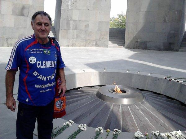 24 Avril 2015 :: 100éme anniversaire du GENOCIDE ARMENIEN .......... une pensée a nos AMIS  Arméniens ......