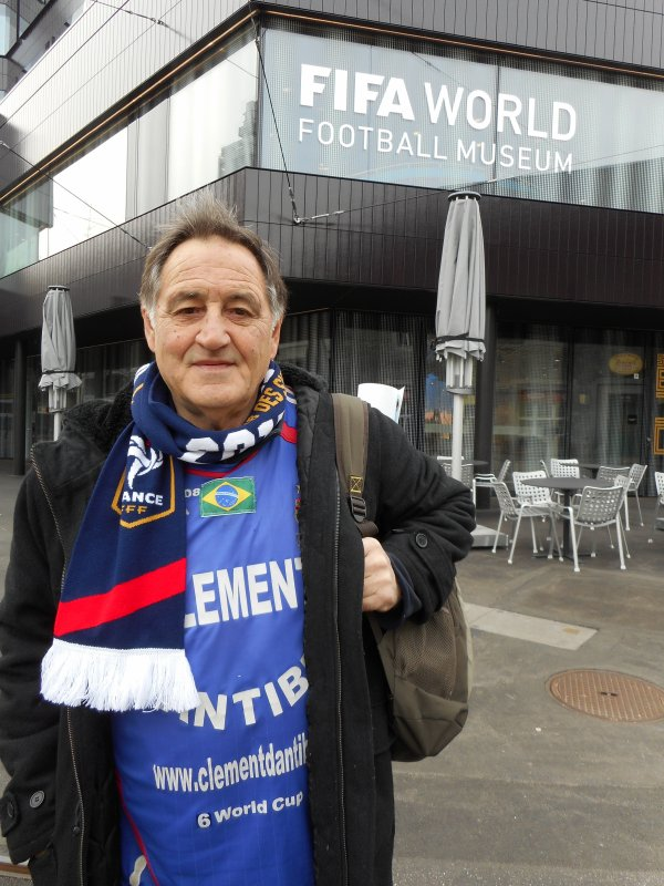 ( suite ) : invité à l'INAUGURATION OFFICIELLE du MUSEE  de la FIFA