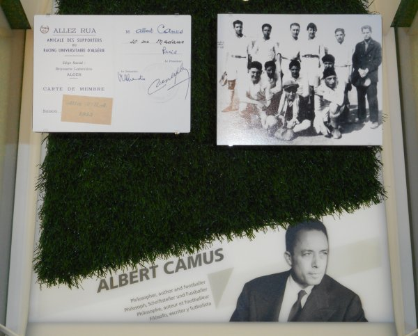 """vraiment .... MAGIQUE  !!! invité et """""""" au '' MUSEE FIFA  ... durant 5 ans !!! aux cotés ( entre autres ) de ..ZLATAN .... ALBERT CAMUS ...BOB  MARLEY  ....."""