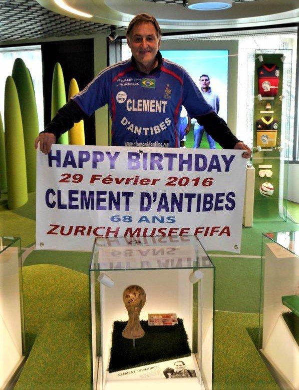 -- historique --- exposé au Musée du football de la FIFA  à Zurich