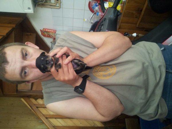 Moi et un bébé chien de dolly