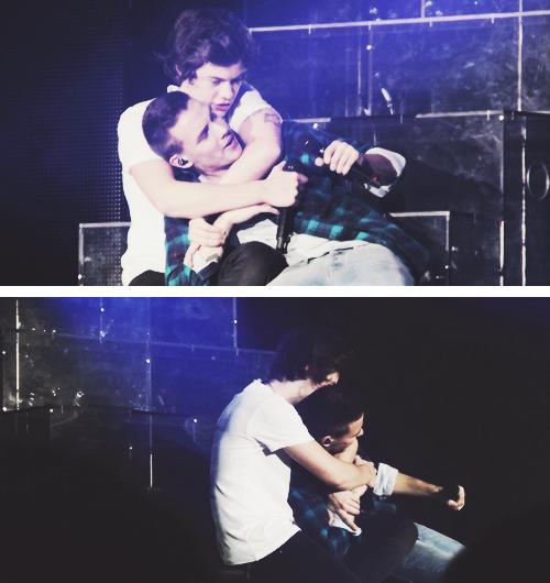 Liam et Harry lors d'un concert le 7 Mars