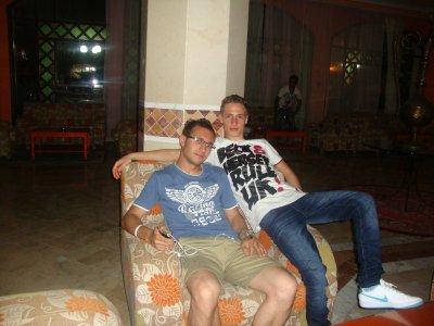 Moi et mon ami à l'hôtel