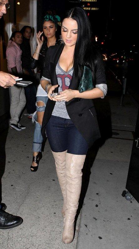 JoJo quitte le Hyde Nightclub de Los Angeles - 01.09.2011